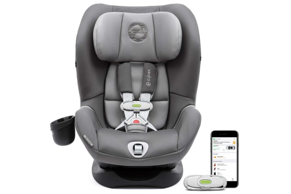 An in-depth review of the Cybex Sirona M car seat.