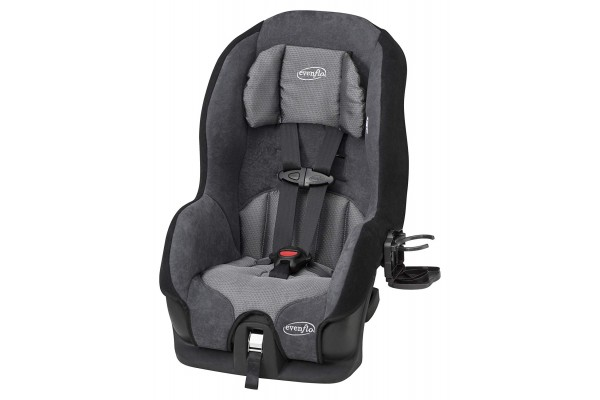 An in-depth review of the Evenflo Tribute car seat.