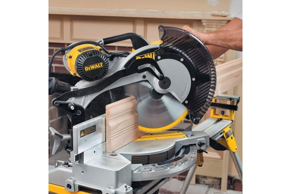 An in-depth review of the Dewalt DW716.