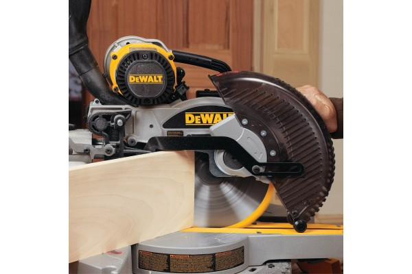 An in-depth review of the Dewalt DW717.