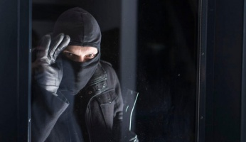 An in-depth guide to the best garage security tips you need to protect your belongings.