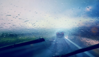 25 Crucial Things to Know About Driving in the Rain