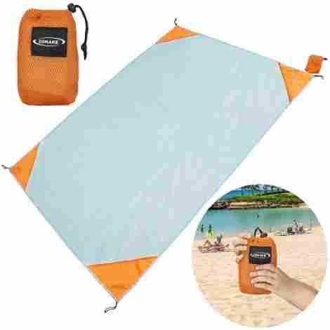 5. ZOMAKE Beach Blanket