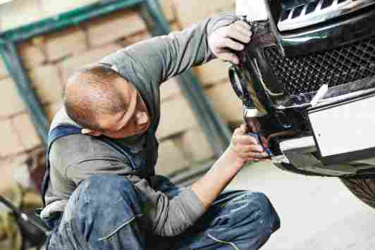 car scratch repair-sanding