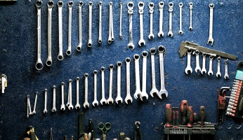 An in depth guide to the most common types of wrenches.