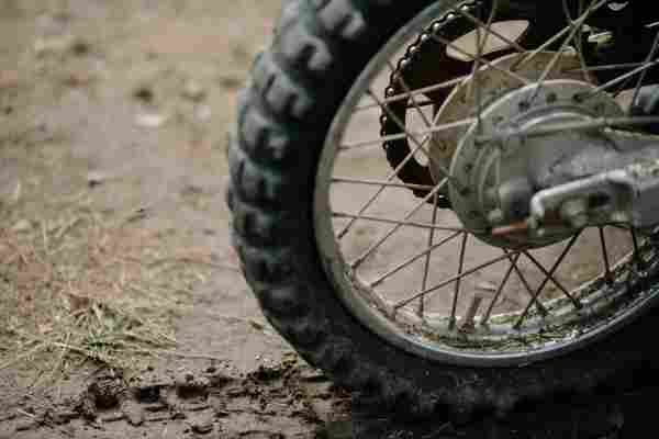 how-to-change-motorcycle-tire