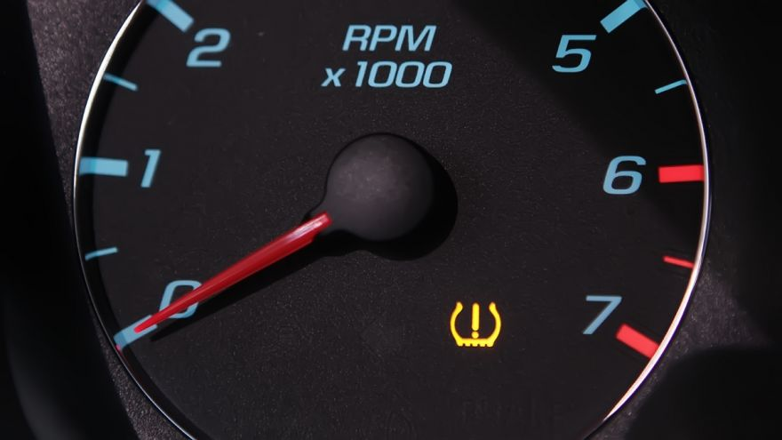 What to do if Your Tire Pressure Light is Flashing